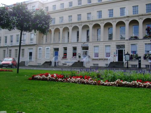 Photo of 81 The Prom Hotel Hotel Bed and Breakfast Accommodation in Cheltenham Gloucestershire
