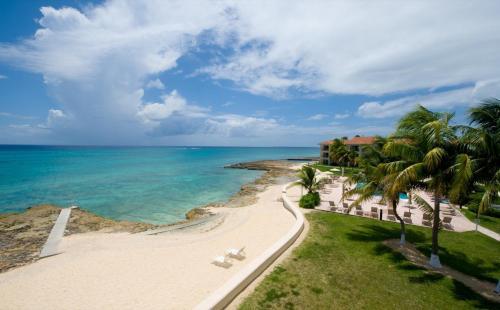 George Town Villas by Cayman Villas, Dog City