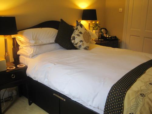 Photo of The Hedges Bed & Breakfast Hotel Bed and Breakfast Accommodation in Edinburgh Edinburgh