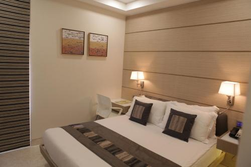 Picture of Residency Hotel Fort