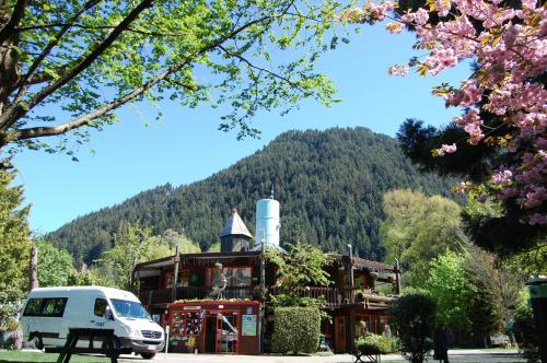 Picture of Queenstown Holiday Park & Motels Creeksyde