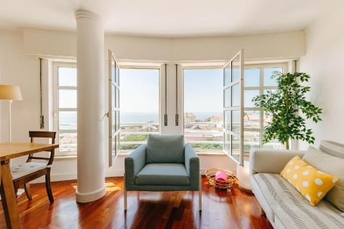 Rent4rest Lisbon Graca River View 2Bedroom Apartment