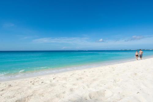 Whitesands by Cayman Villas, West Bay