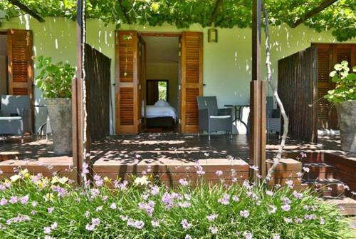 Off R44, Klapmuts Road, R44, Stellenbosch, 7599, South Africa.