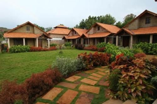 Cottage with a garden in Bagalkot by GuestHouser 22838
