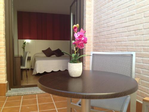 Habitación Doble con terraza - 1 o 2 camas Hotel la Bastida 4