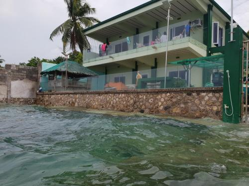 Kumz Beach House