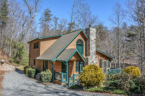 More about Lucilles Creekside Hideaway
