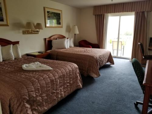 Queen Room with Two Queen Beds - Adult Only