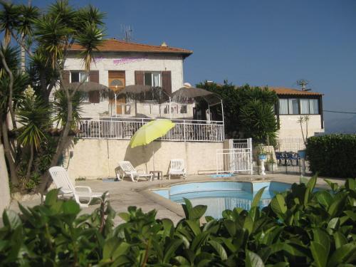Auberge villa montaleigne chambre d 39 h tes 260 chemin de for Piscine 06700