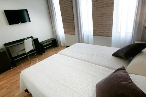 Habitación Doble - 1 o 2 camas Hotel la Bastida 9
