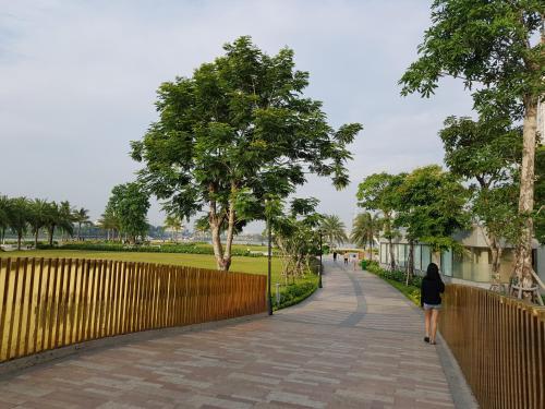 Blue Sky at Vinhomes Central Park, Ho Chi Minh
