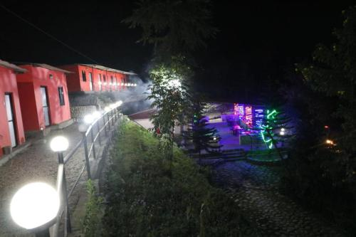 Bhotekoshi Rafting Resort, Phalāmsāngu