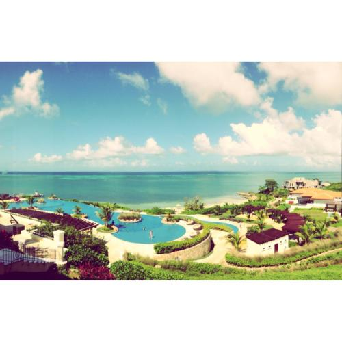 Beautiful Caribbean Beach Home in Roatán RO002, French Harbor