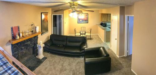 ENTIRE comfy condo w/ free WiFi & new carpet