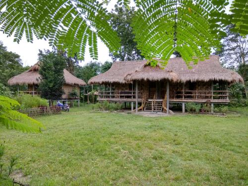 Ayang Okum River Bank Bamboo Cottage
