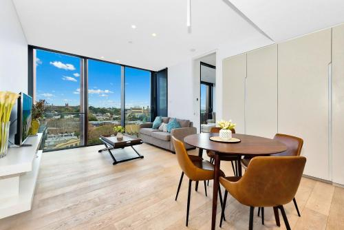 Luxury and Right next to the Central station & Shopping Center, Sydney