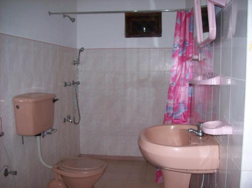 Ellamale Bungalow - Three-Bedroom Villa, Wattegama