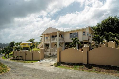 SIMA VILLA: A Home Away From Home!, Gros Islet