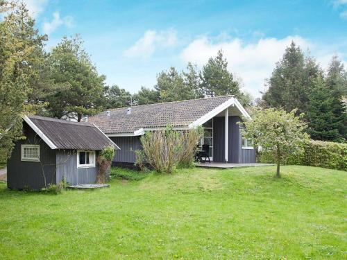 Three-Bedroom Holiday home in Askeby 1, Askeby