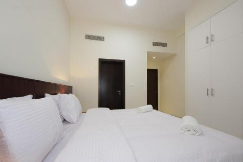 Express Holiday Homes - Townhouse with Private Pool, Dubaj