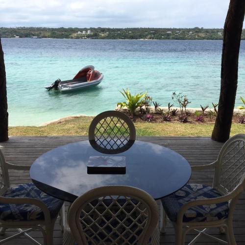 Island escape, Aimbuei Bay