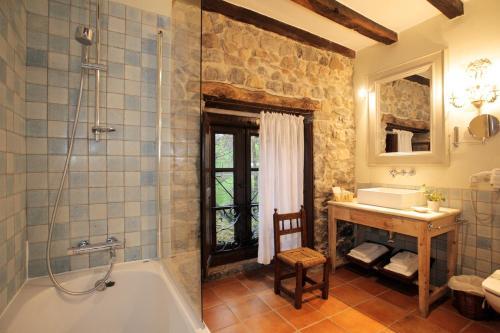 Habitación Doble Hotel Casona de Quintana 5
