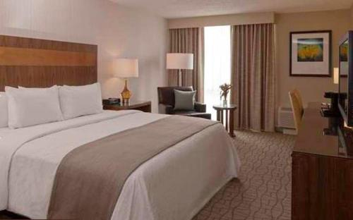 Doubletree Hotel Greentree: Doubletree By Hilton Pittsburgh-Green Tree In Pittsburgh