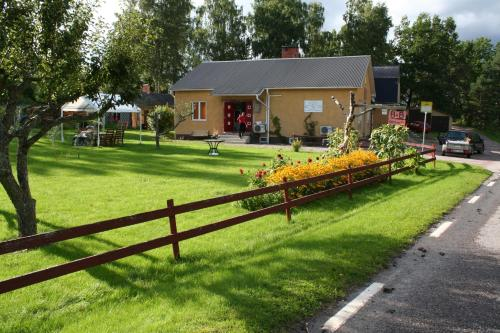 Photo of Bed & Breakfast Björkhyddan Hotel Bed and Breakfast Accommodation in Rumma N/A