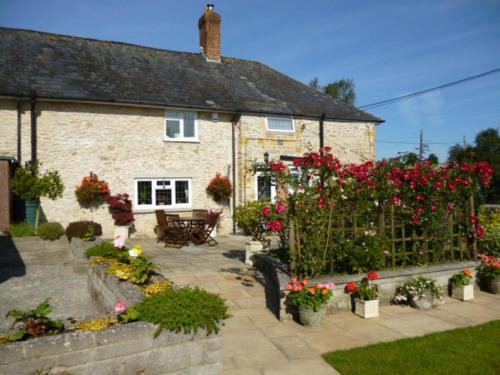 Photo of Quiet Woman House Hotel Bed and Breakfast Accommodation in Halstock Somerset