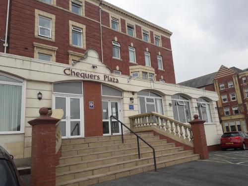 Chequers Plaza Hotel