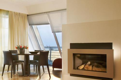Luxury Suite with Front Sea View