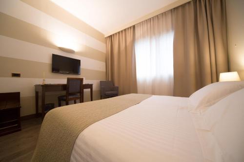 Hotels near Colombo Salotti - Fabbrica Divani| Divani Letto ...