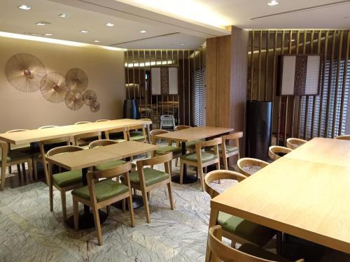 Million Dragon Hotel (Fomerly Hotel Lan Kwai Fong Macau), Macau