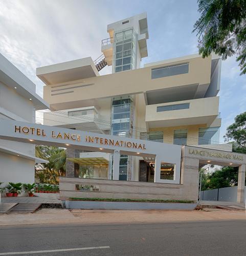 Hotel Lance International