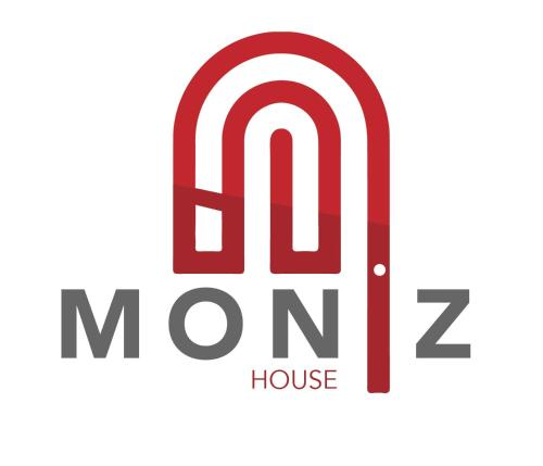 Moniz House