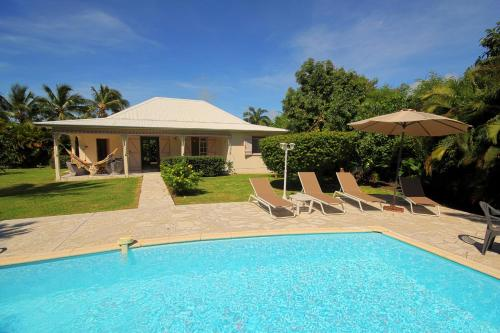 Villa with swimming pool, Saint-François