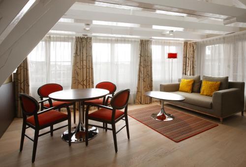 Krasnapolsky Apartments photo 6