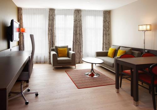 Krasnapolsky Apartments photo 7