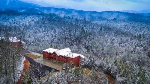 Foxwood Mansion Cabin