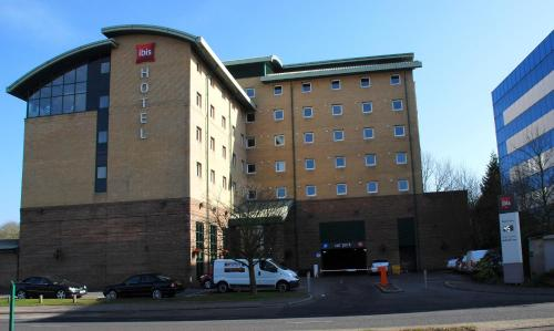 Stay at ibis London Gatwick Airport
