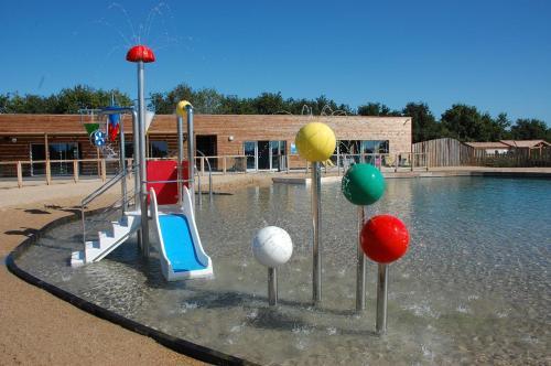 Domaine du pr location saisonni re 2 bellevue 85220 la - Horaire piscine bellevue ...