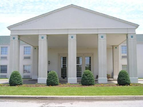 Moberly Inn Suites Hotel