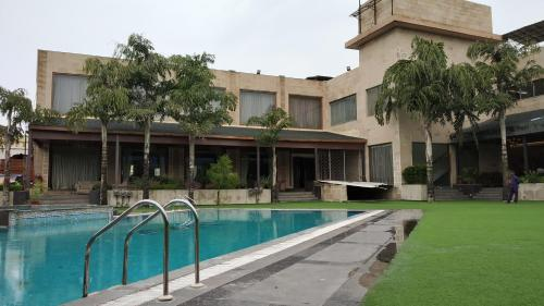 Mh1 Resort