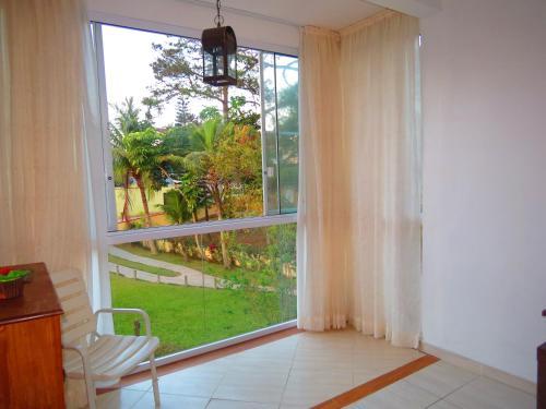 Res. Maria Angelica - Na Avenida de Bombinhas 01 dormitório, Bombinhas