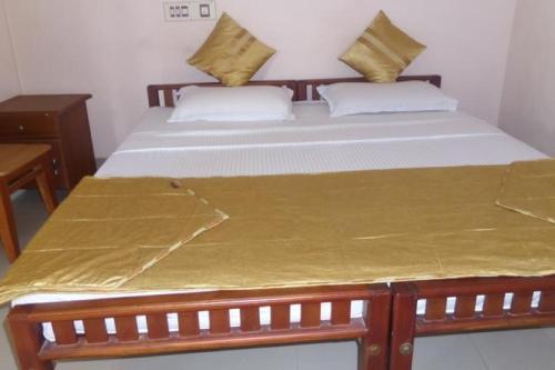 1 BR Guest house in Sri Krishna Temple, Kochi (9B0F), by GuestHouser