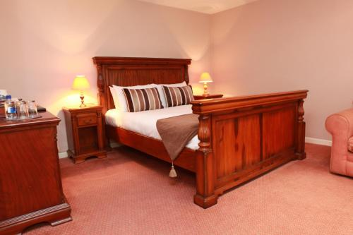 Photo of The White Hart Hotel Hotel Bed and Breakfast Accommodation in Wells Somerset