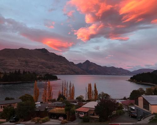 Earnslaw Lodge, Queenstown () - New Zealand