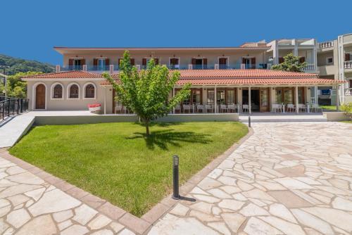 Hotel Palmyra, Argásion