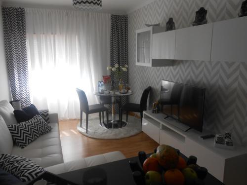 Apartamento-AMORA,SEIXAL